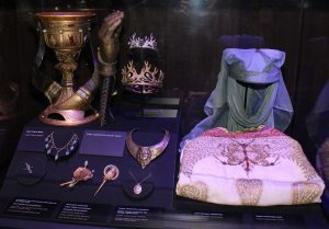 Game_of_Thrones_Oslo_exhibition_2014_-_Headgear_and_jewelry_of_the_royal_court