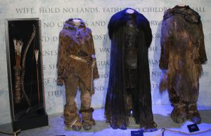 Game_of_Thrones_Oslo_exhibition_2014_-_Ygritte,_Jon_and_Tormund_costumes