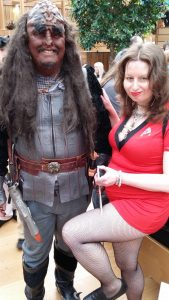 Kraag Linkasa and Star Trek crew member (George and Jennifer Hutchinson)
