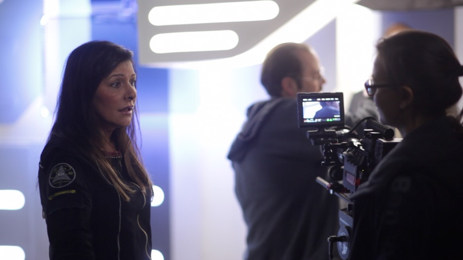 Marina_Sirtis_on set(1)