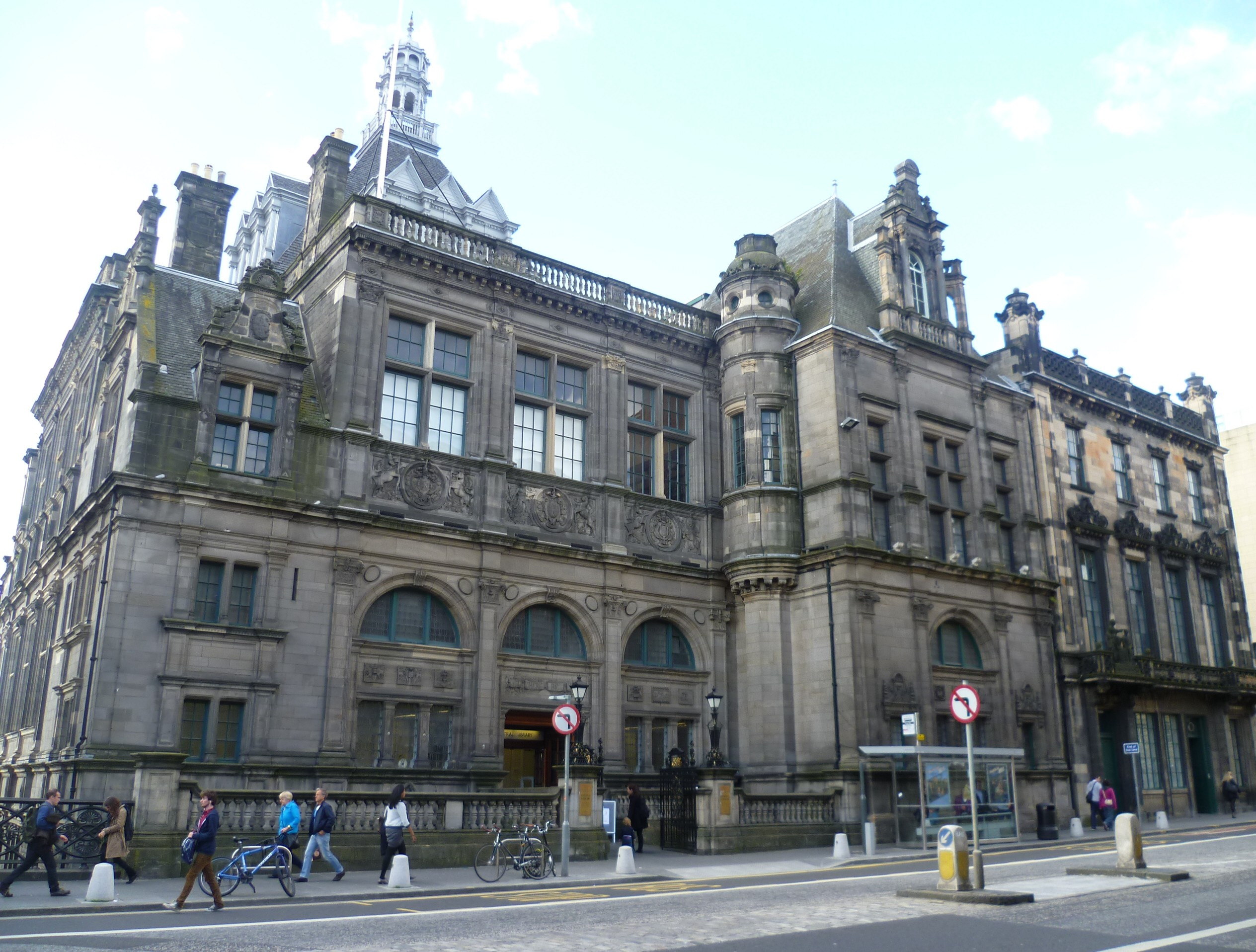 Edinburgh_Central_Library,_George_IV_Bridge