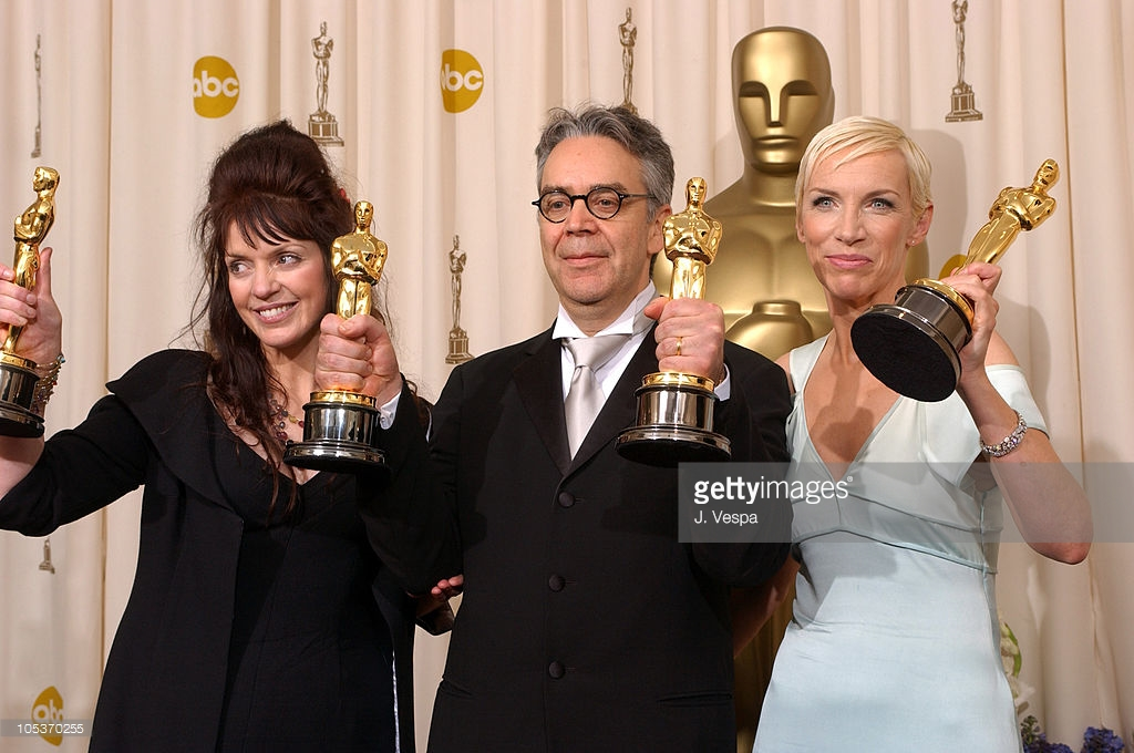 Fran Walsh, Howard Shore and Annie Lennox - Best Original Song 'Into the West' Oscar 2004.