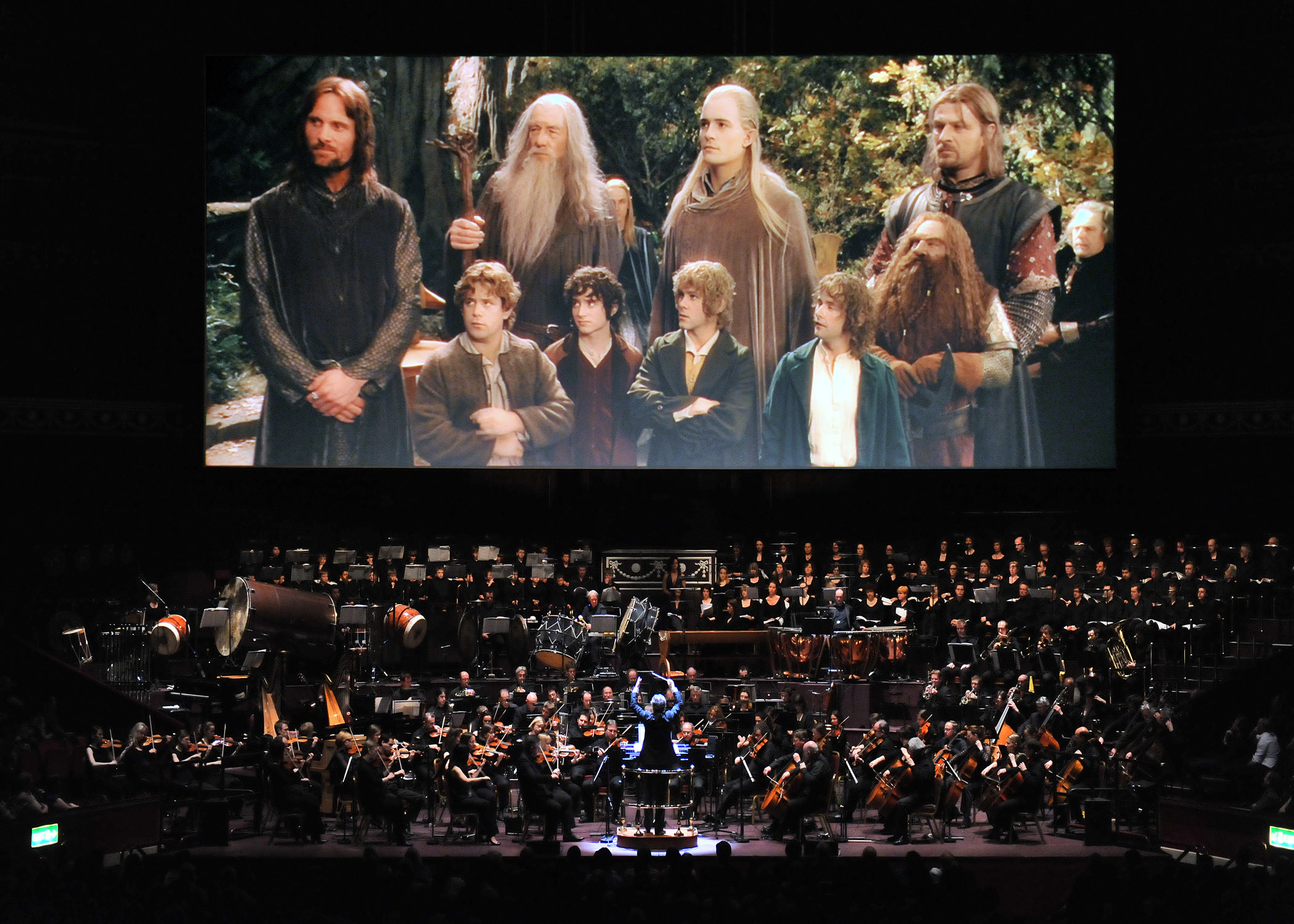 Howard Shore conducting the LOTR symphony.